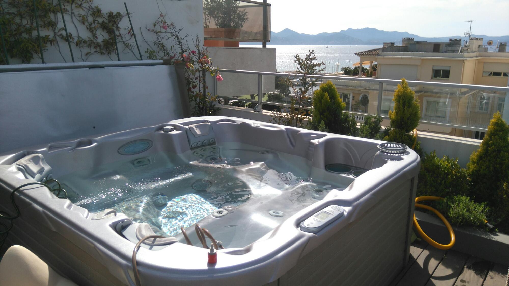 Contrat d 39 entretien spa assistance technique wellness for Cout d entretien d une piscine